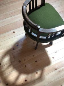緑の回転椅子 完成