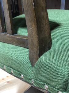 緑の回転椅子 鋲 真鍮釘