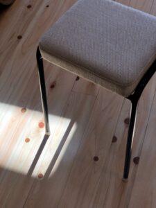 ミシン椅子張り替え後