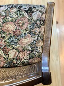 花柄模様の椅子 張り替え前