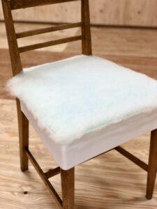 小椅子にウレタン