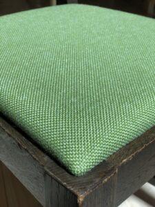 緑の小椅子 座面