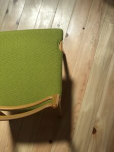 天童木工の椅子 上から