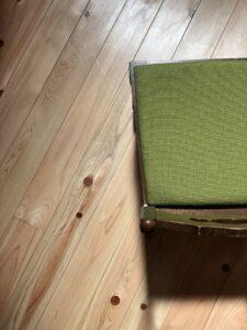 緑の小椅子 真上から