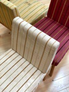 ストライプ柄の椅子1