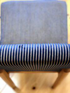 ストライプ柄の椅子5